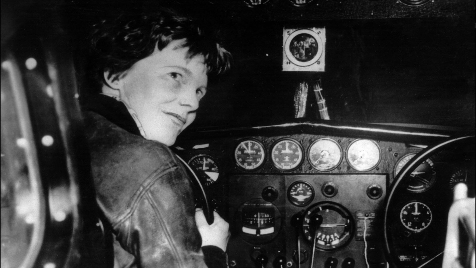 amelia earhart a woman with a Amelia earhart's forgotten fashion line (could probably do with a comeback) but earhart was clearly a woman who understood the difficulties of having to present.